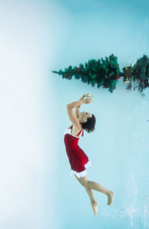 Margot_Dumas_Artiste_Maquilleuse_shooting_underwater_berluti_12