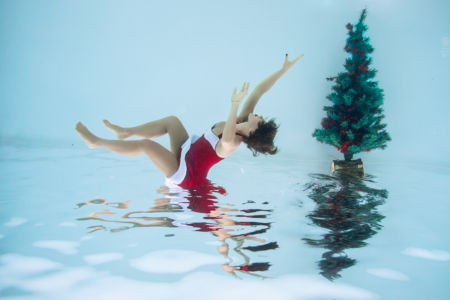 Margot_Dumas_Artiste_Maquilleuse_shooting_underwater_berluti_13